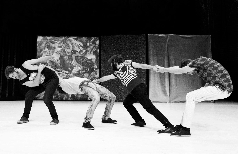 'A coming community' llega al Teatro Pradillo