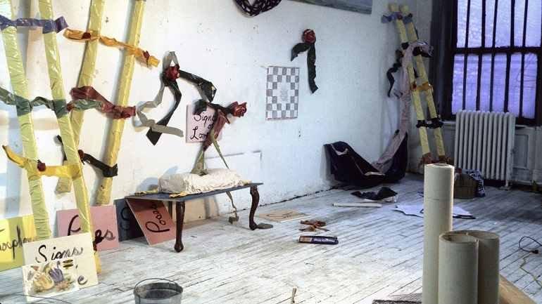 """La """"abstracción minimalista"""" de Ree Morton llega al Museo Reina Sofía"""