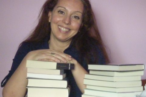 """Entrevista a Mónica Gutiérrez, autora de 'El noviembre de Kate': """"Una de las ventajas de escribir ficción son esos finales felices"""""""