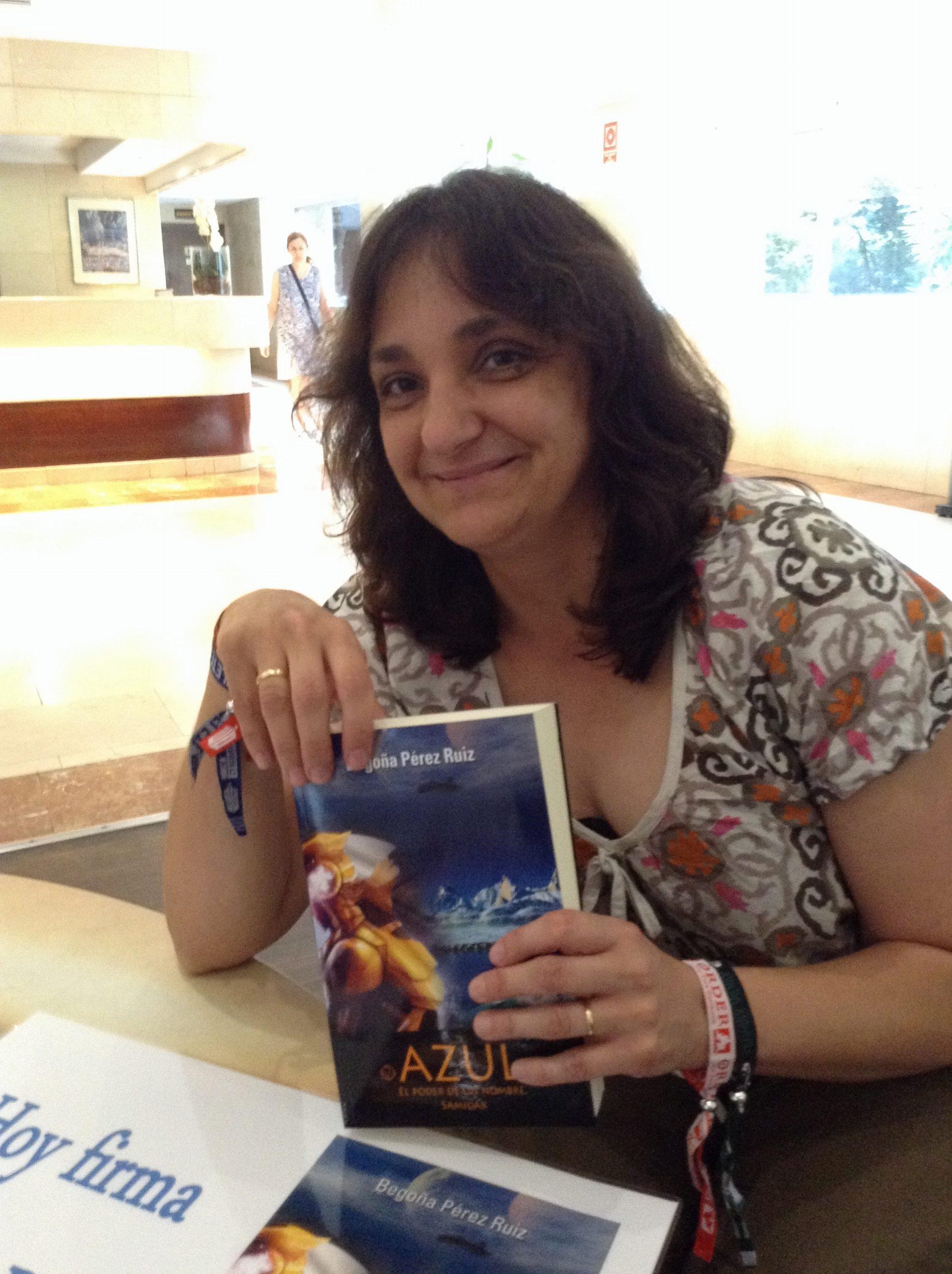 Begoña Pérez Ruiz, autora de Azul